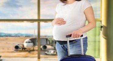 Volare durante la gravidanza: cosa bisogna sapere