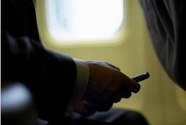 Telefonini in volo: sfatato un tabù