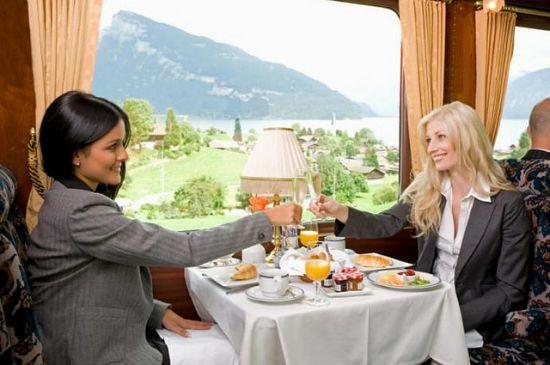 Viaggio su treno di lusso
