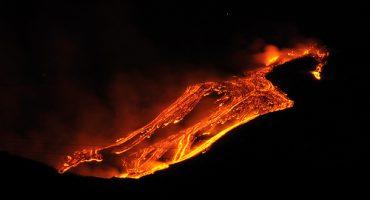 Ultima ora: attività dell'Etna, voli a rischio