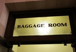 Dove vanno a finire i bagagli smarriti?