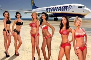 Ryanair e beneficenza: in arrivo il calendario hot 2012