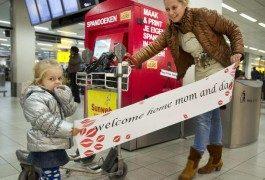 Cartellone di benvenuto fai da te all'aeroporto di Amsterdam!