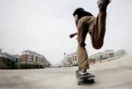 In Cina: una città fantasma occupata dagli skaters
