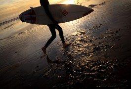 Surf: onde gigantesche in Portogallo