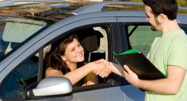 Guidare all'estero: con quale patente?