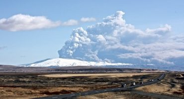Nessuno stop al traffico aereo per il vulcano islandese
