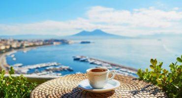 """""""Vedi Napoli e muori"""", 10 cose da non perdere nella città partenopea"""