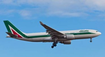 Alitalia, sconti natalizi sui prodotti online