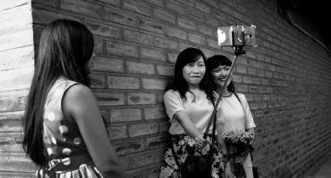 La Corea del Sud dichiara guerra ai bastoni per i selfie