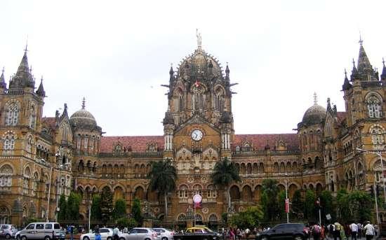 Chhatrapati Shivaji Terminus di Calcutta, patromonio dell'Unesco e quartier generale delle ferrovie indiane.
