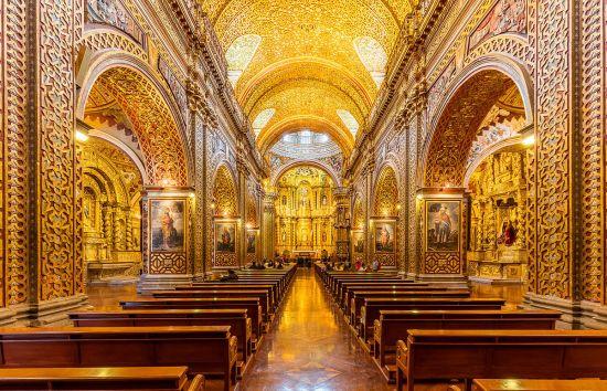 Interno dell'Iglesia de la Compañía de Jesús