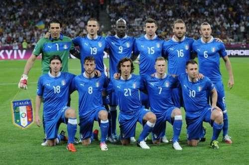 640px-Italy_national_football_team_Euro_2012_vs_England