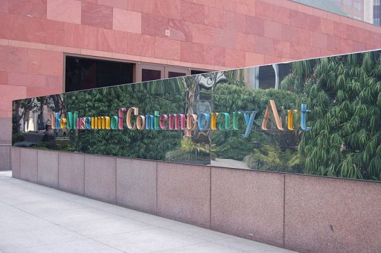 The_Museum_Of_Contemporary_Art_(MOCA)_Sign_(2576025404)