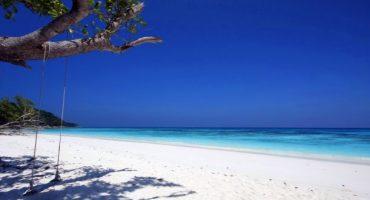 La Tailandia chiuderà al turismo l'isola di Koh Tachai