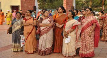 India: no a minigonne ed abiti succinti per le turiste