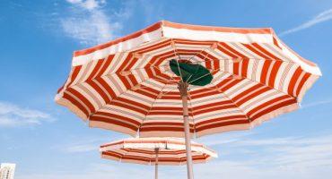 Spiagge italiane: guerra all'ombrellone selvaggio