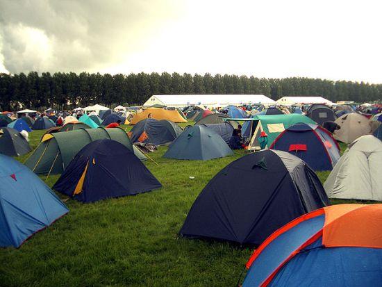 640px-Lowlands_tents
