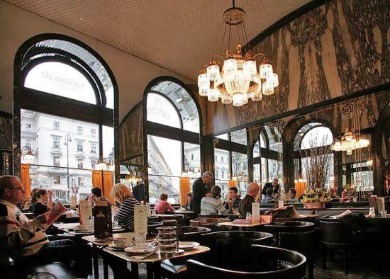 Cafe-schwarzenberg-innen-viennaphoto-at
