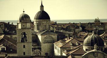 EasyJet: nuove rotte internazionali da Napoli