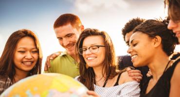 Turismo alternativo: le 8 migliori app per viaggiare con locali
