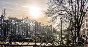 Cosa fare e vedere ad Amsterdam, tra musei e divertimenti sfrenati